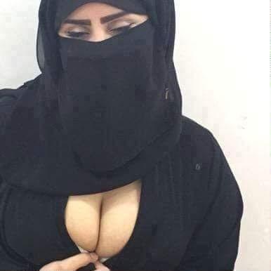 Alev-alev sarışın kız Nurşen