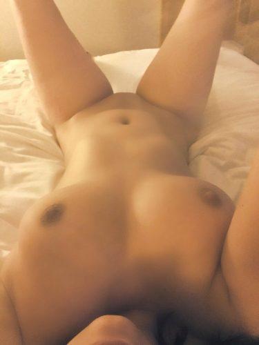 Ateşli fetişe açık kadın Begüm