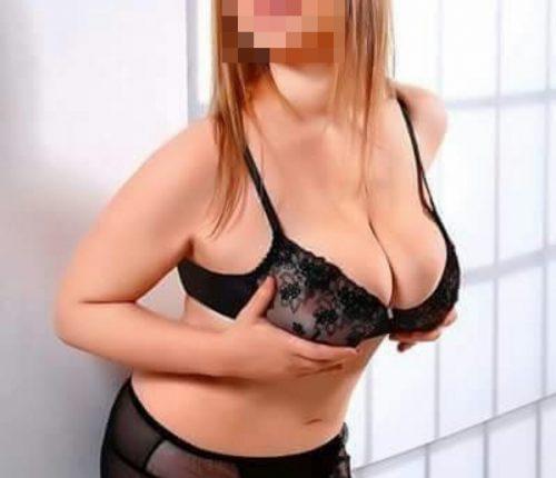 Seksi genç kız Nezihe